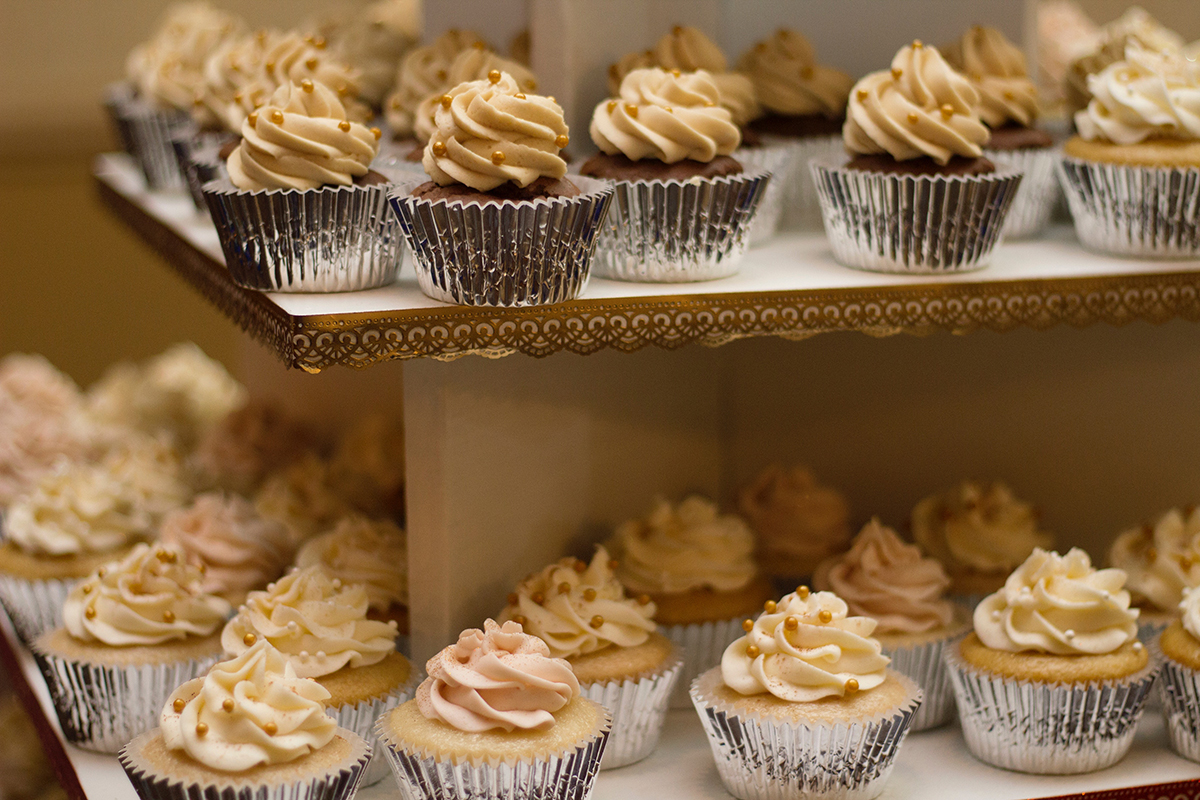 Cupcakes Vs Wedding Cakes In Amarillo Texas Belmar Bakery